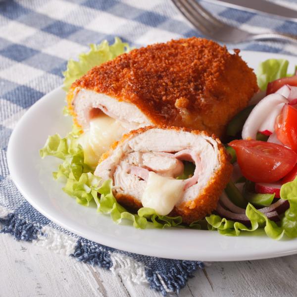 Cordon Bleu mit Salat