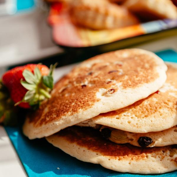 Weizenkeim-Rosinen-Pancakes